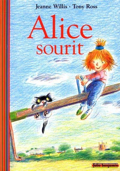 Alice sourit