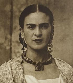 Frida Kahlo : La peinture pour surmonter sa souffrance
