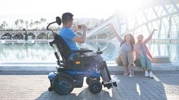 Aviva RX 40 Modulite, le nouveau modèle de fauteuil roulant d'Invacare