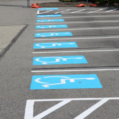 Des capteurs pour mesurer l'utilisation des places de parking adaptées