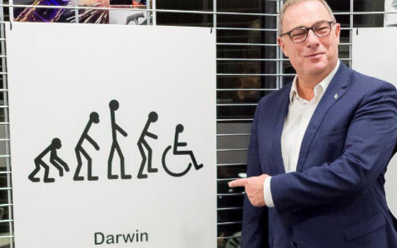 Expo Chais'Art à la cité administrative de La Louvière: quand les artistes handicapés se moquent d'e